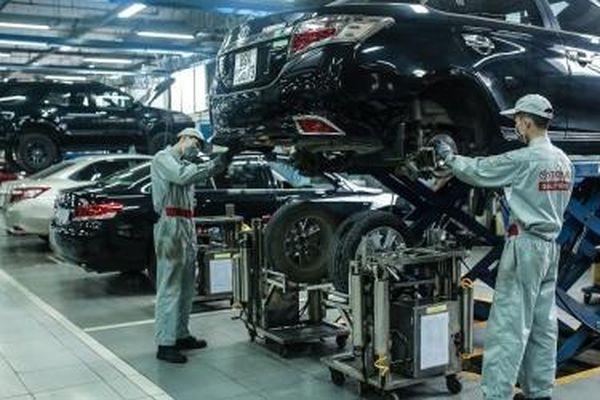 Toyota thay dầu miễn phí cho xe bị lũ lụt ở 4 tỉnh miền Trung