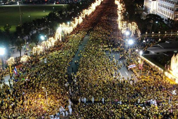 Vua Thái Lan lần đầu bình luận về phong trào biểu tình