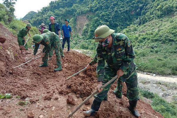 Khắc phục sạt lở trên một số tuyến đường khu vực biên giới tỉnh Nghệ An