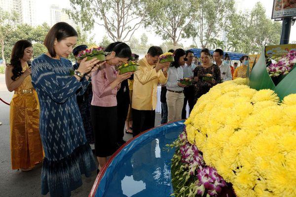 Trải nghiệm lễ hội hoa đăng Loy Krathong tại MM Mega Market