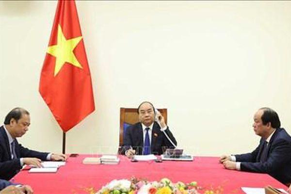 Thủ tướng Nguyễn Xuân Phúc điện đàm với Thủ tướng Thái Lan Prayut Chan-o-cha