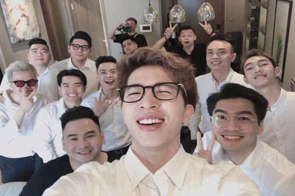 Đám cưới streamer giàu nhất Việt Nam, cái tên nào lẻ bóng tới dự?