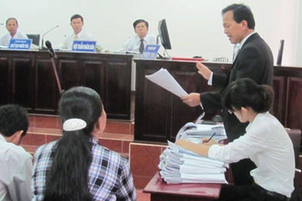 Luật sư bị xâm phạm trong quá trình hành nghề nên làm gì?