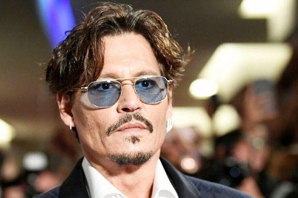 Johnny Depp và các sao Hollywood bị loại khỏi phim bom tấn