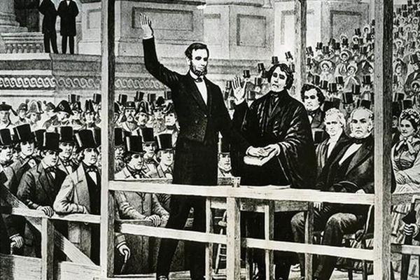 Công nghệ trong bầu cử Tổng thống Mỹ thay đổi thế nào suốt 100 năm qua