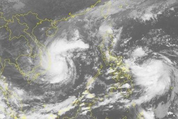Bão số 12 cường độ mạnh vào đất liền đêm nay, bão số 13 'nối đuôi' theo sau