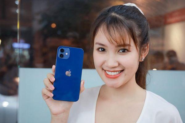 Nhu cầu dùng iPhone 12 tăng vọt so với kỳ vọng