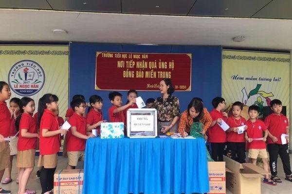 Công nhân viên chức lao động huyện Gia Lâm hướng về đồng bào miền Trung ruột thịt