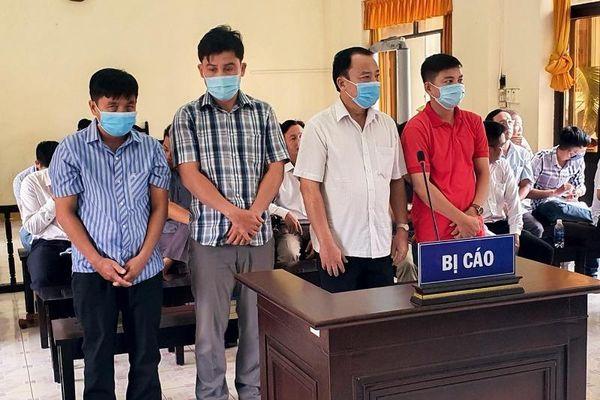 4 cán bộ huyện hầu tòa vì gây thất thoát tiền Nhà nước