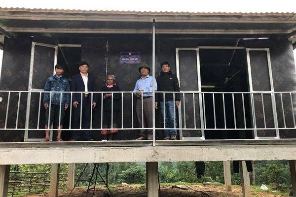 Quảng Bình: Bàn giao 2 nhà Đại đoàn kết cho gia đình người Khùa gặp hỏa hoạn