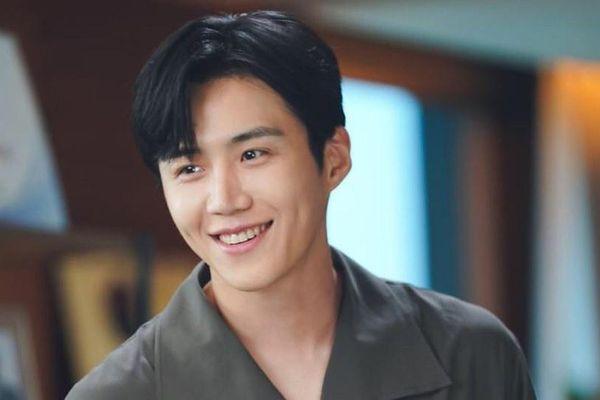 Kim Seon Ho - nam phụ đang làm lu mờ nhân vật chính Joo Hyuk