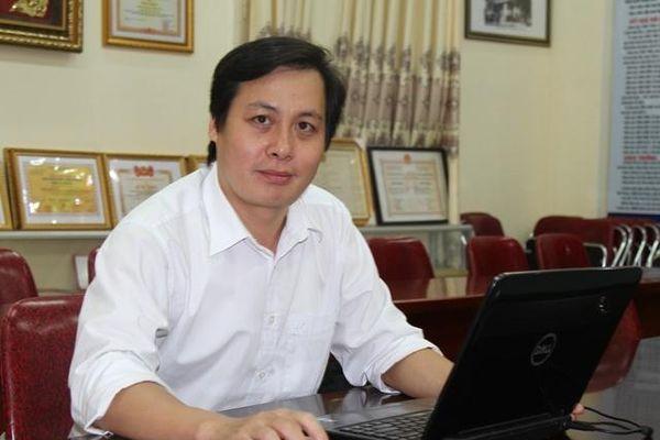 Thầy giáo Vũ Công Minh: 'Yêu nghề tôi nguyện cống hiến sức trẻ'