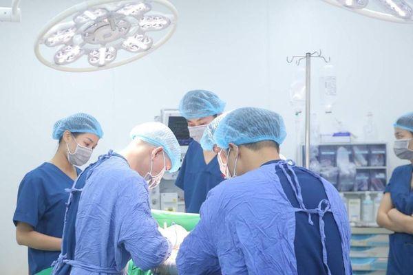 Bác sỹ thẩm mỹ khuyến cáo cần thận trọng khi phẫu thuật nâng ngực sa trễ