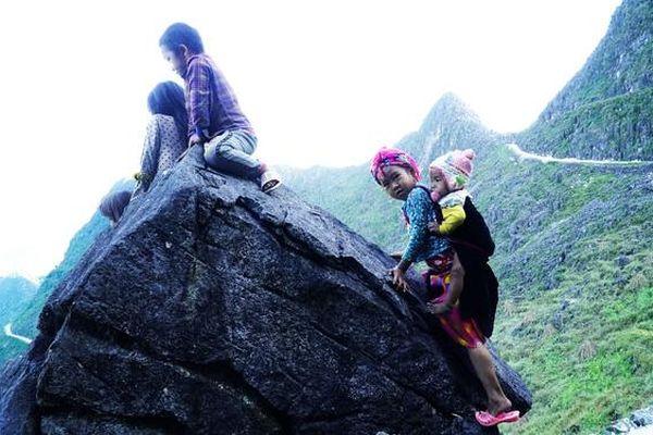 Những đứa trẻ 'mộc mạc' trên Công viên địa chất toàn cầu – Cao nguyên đá Đồng Văn