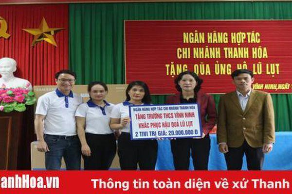 Ngân hàng Hợp tác, chi nhánh Thanh Hóa ủng hộ đồng bào Miền Trung khắc phục hậu quả lũ lụt