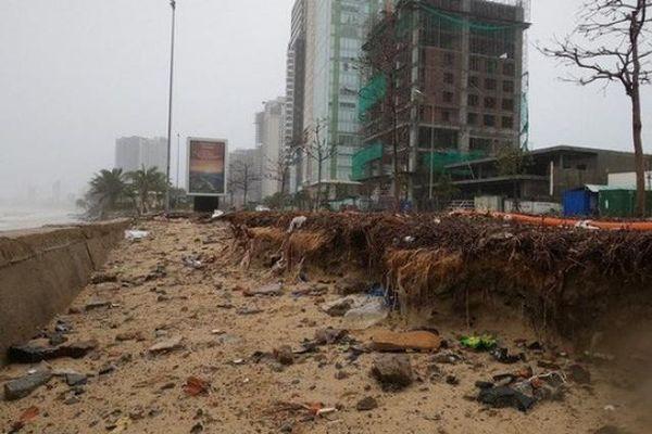 Bão Vamco quét qua, Đà Nẵng ngổn ngang hơn 1.000 tấn rác