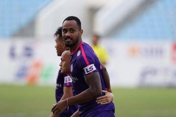 Viettel tăng cường chân sút số 1 V-League để bảo vệ ngôi vương?