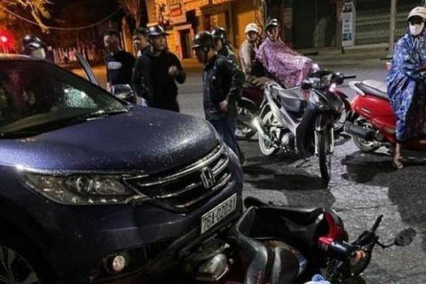 Xót xa sản phụ sắp sinh bị ô tô đâm, kéo lê xe máy 500m
