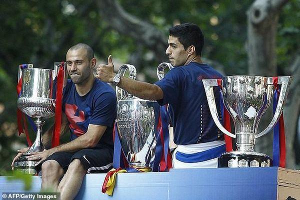 Huyền thoại Barcelona và tuyển Argentina giã từ sự nghiệp
