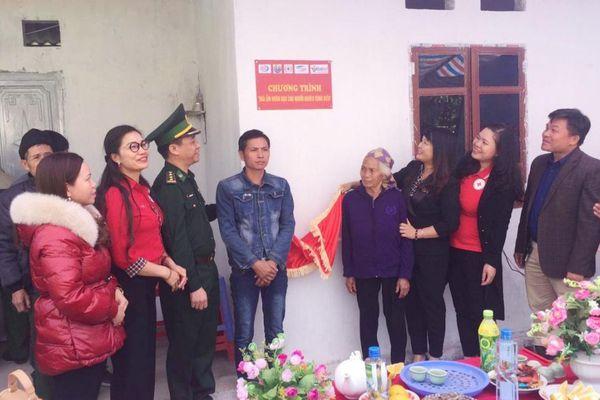 Trao 'Mái ấm nhân đạo cho người nghèo vùng biên' tỉnh Lạng Sơn