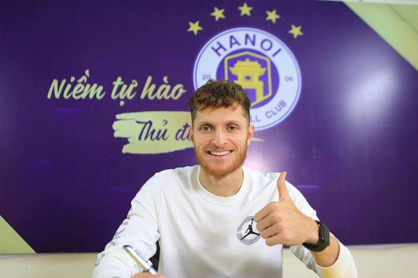 Ngoại binh nhận lương nửa tỷ mỗi tháng sẽ mang lại gì cho Hà Nội FC?