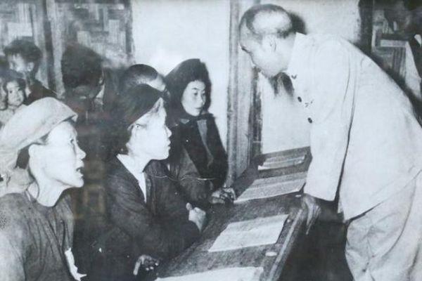Từ bình dân học vụ đến xã hội học tập: Tầm nhìn của Chủ tịch Hồ Chí Minh