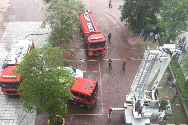 Triển khai 2 phương án khống chế cháy tại khách sạn Vinh Plaza