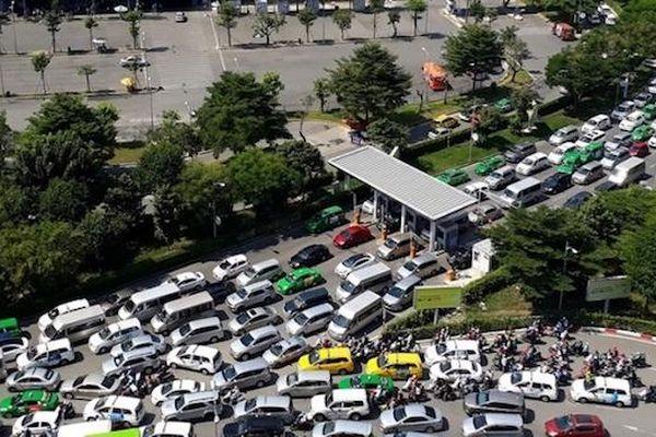 TP Hồ Chí Minh: Đề xuất xây cầu, hầm chui ở sân bay Tân Sơn Nhất để giảm ùn tắc