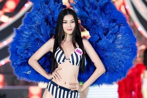 Chung kết Hoa Hậu Việt Nam 2020: Nhan sắc 'hiếm có khó tìm' của Người đẹp Biển