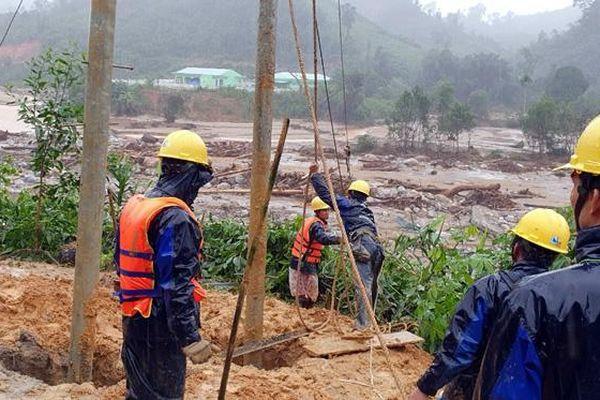 PC Quảng Nam nỗ lực khôi phục cấp điện các xã vùng cao Phước Sơn