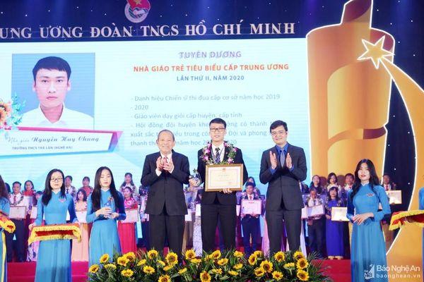 Thầy giáo vùng cao Nghệ An được vinh danh nhà giáo trẻ tiêu biểu toàn quốc