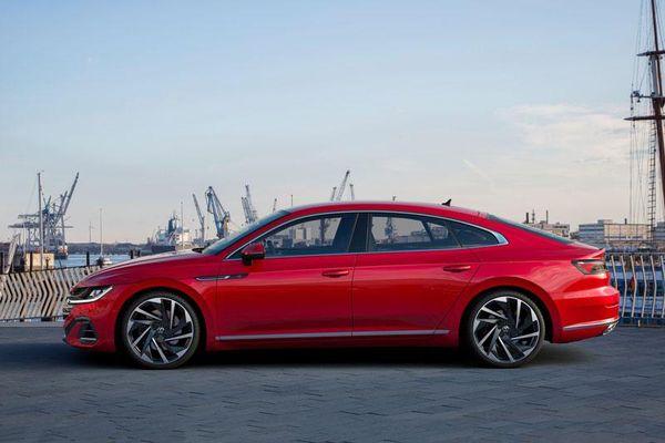 Xe hơi đẹp long lanh, động cơ tăng áp, giá gần 860 triệu đồng