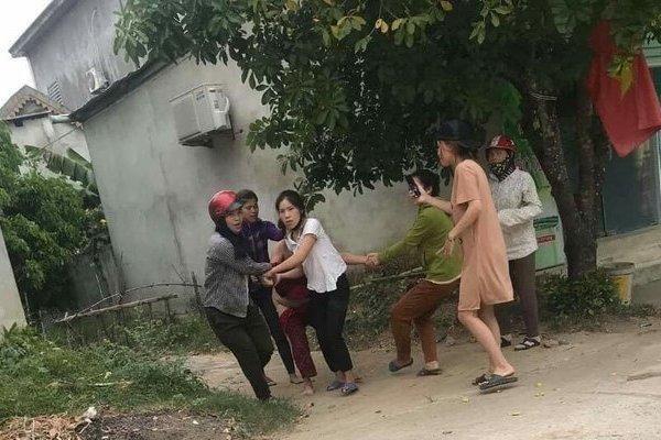Truy tố nhóm người lột đồ và kéo lê một phụ nữ trên đường