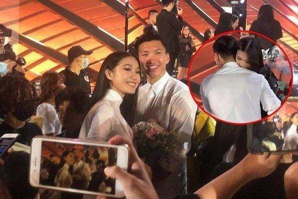 Sao Việt: Văn Hậu gây chú ý vì ôm bạn gái tin đồn Doãn Hải My