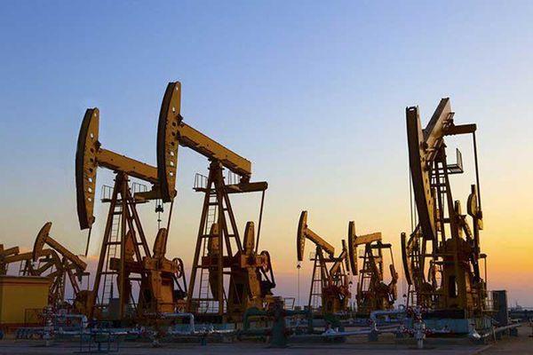 Giá xăng, dầu (21/11): Nhảy vọt