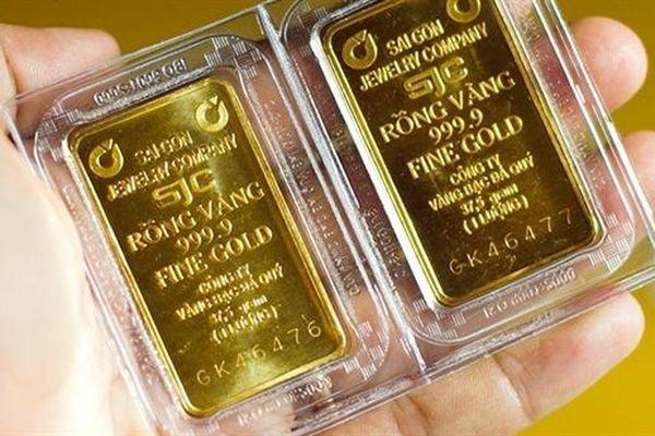 Giá vàng neo ở mốc 56 triệu/lượng, còn động lực để tăng