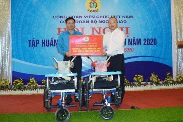 Hoạt động từ thiện ý nghĩa của Công đoàn Bộ Ngoại giao tại Yên Bái