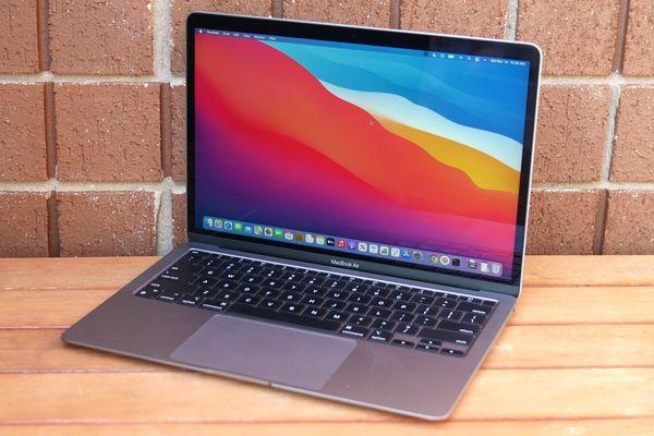 MacBook Air có phiên bản rẻ nhất chỉ 799 USD nhưng tiếc là không mua được