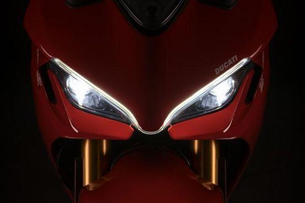 Ducati SuperSport 950 2021 – Diện mạo mới, động cơ không đổi