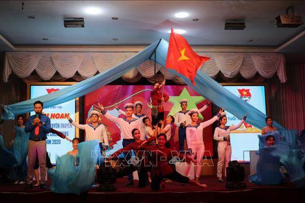 Liên hoan các nhóm tuyên truyền ca khúc cách mạng Cụm Sông Tiền năm 2020