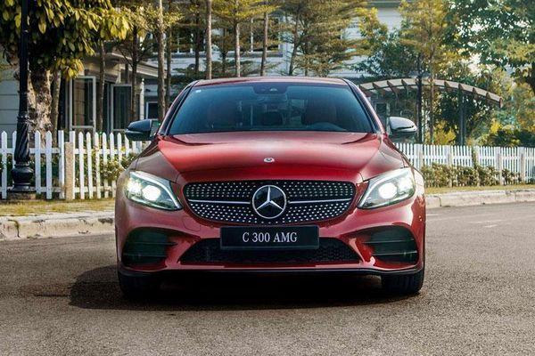 Bảng giá xe Mercedes-Benz tháng 11/2020