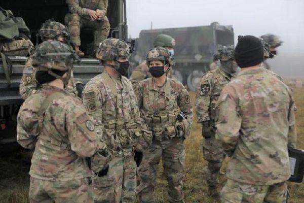 Thiếu binh lính và khí tài, Mỹ hụt hơi nếu phải cùng lúc đối đầu Nga, Trung