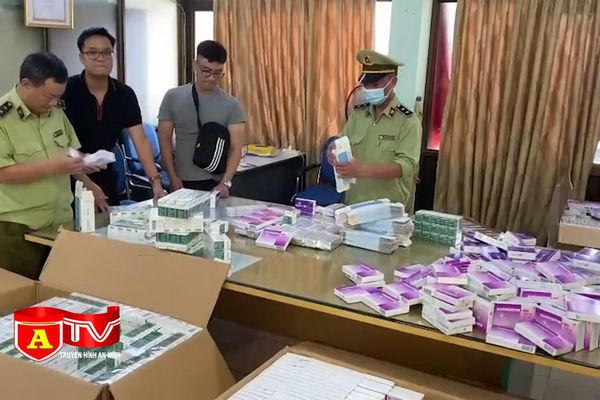 Phát hiện hàng trăm nghìn hộp thuốc tân dược trôi nổi được bán qua mạng xã hội