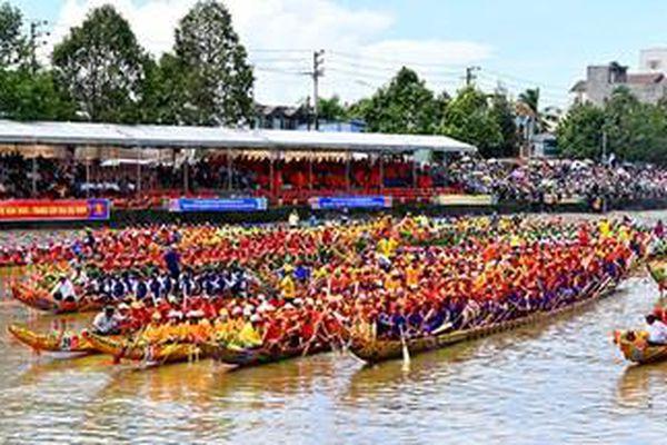 Đua ghe ngo - môn thể thao đặc trưng miền sông nước