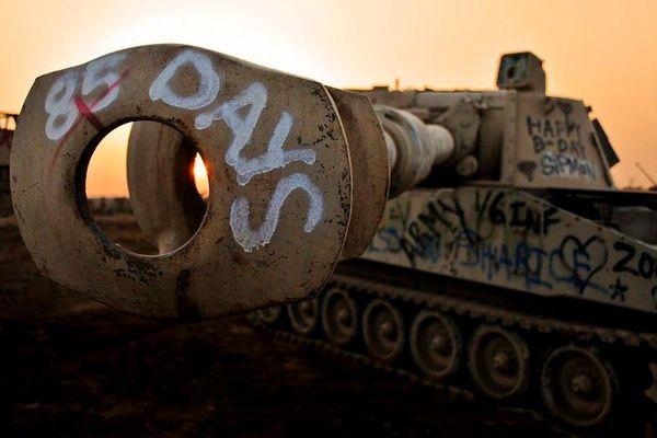 Rùng rợn 'nghĩa địa' vũ khí của quân đội Iraq thời Saddam Hussein