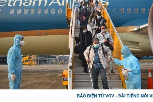 Chuyến bay đầu tiên người về nước trả phí trọn gói hạ cánh tại Vân Đồn