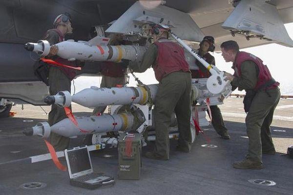 Bom dẫn dường bằng laser của Mỹ giúp gì cho Quân đội Philippines?