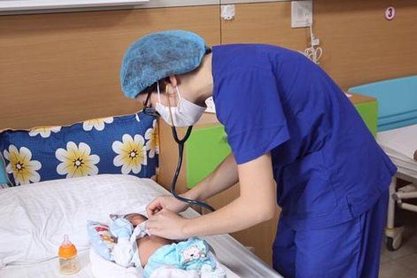 Vừa chào đời, bé sơ sinh đã bị nhiễm khuẩn