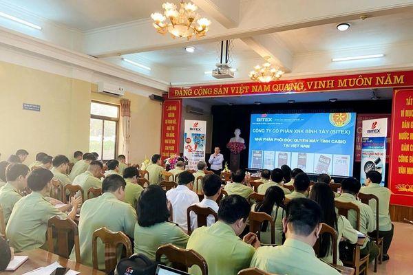 Cục Quản lý thị trường Quảng Ninh: Tập huấn nghiệp vụ và kỹ năng phân biệt hàng giả, hàng thật