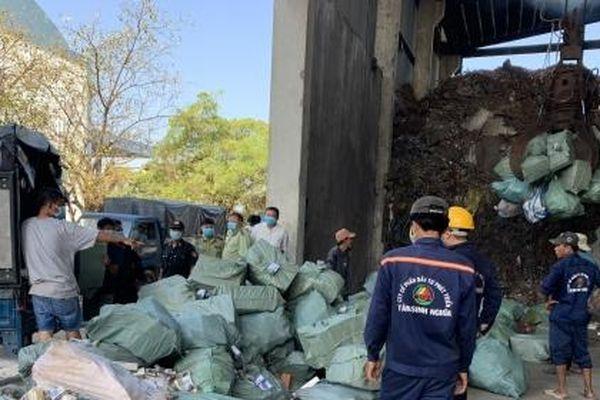 Kiên Giang: Tiêu hủy gần 122.000 gói thuốc lá ngoại nhập lậu